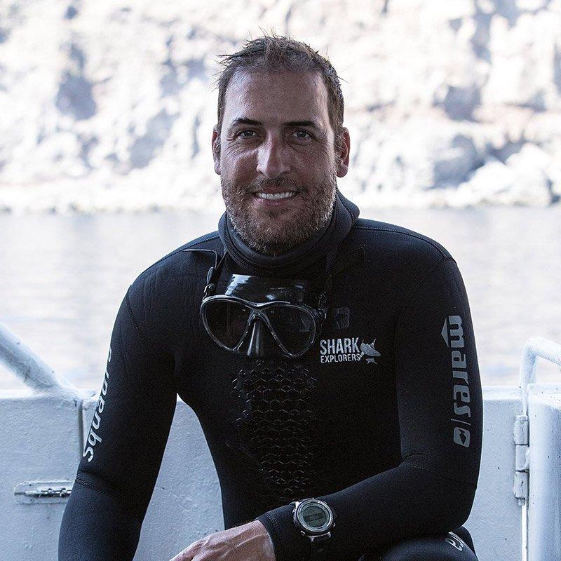 Morne Hardenberg - Shark Explorers